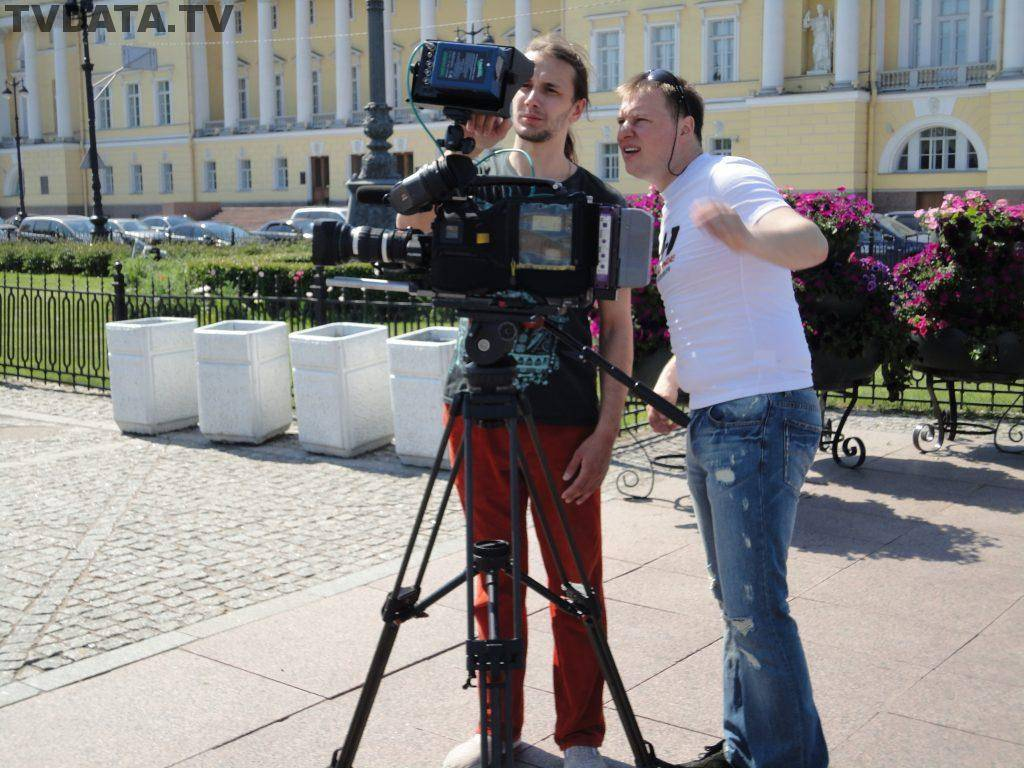 Filming on Isaakievskaya Square which stretches between St. Isaac's Cathedral and the Mariinsky Palace in St. Petersburg