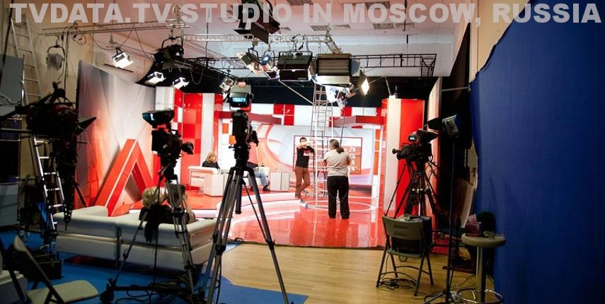 Moscow live video production studio with multi-camera broadcast equipment.